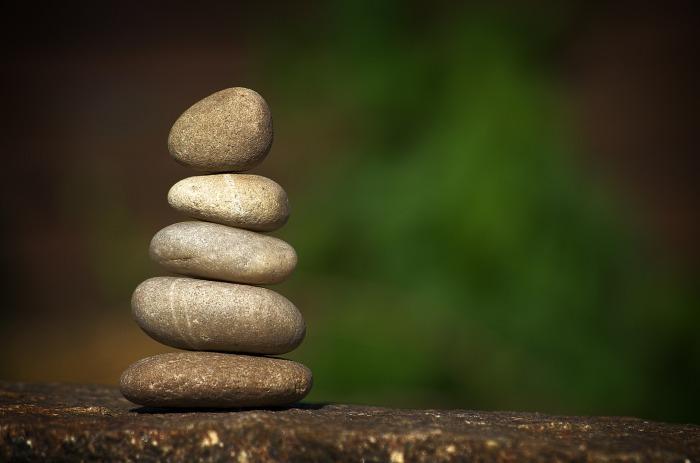 stones-2997726_1920